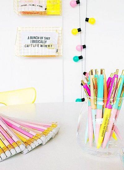 Zelo zabaven set kemičnih svinčnikov